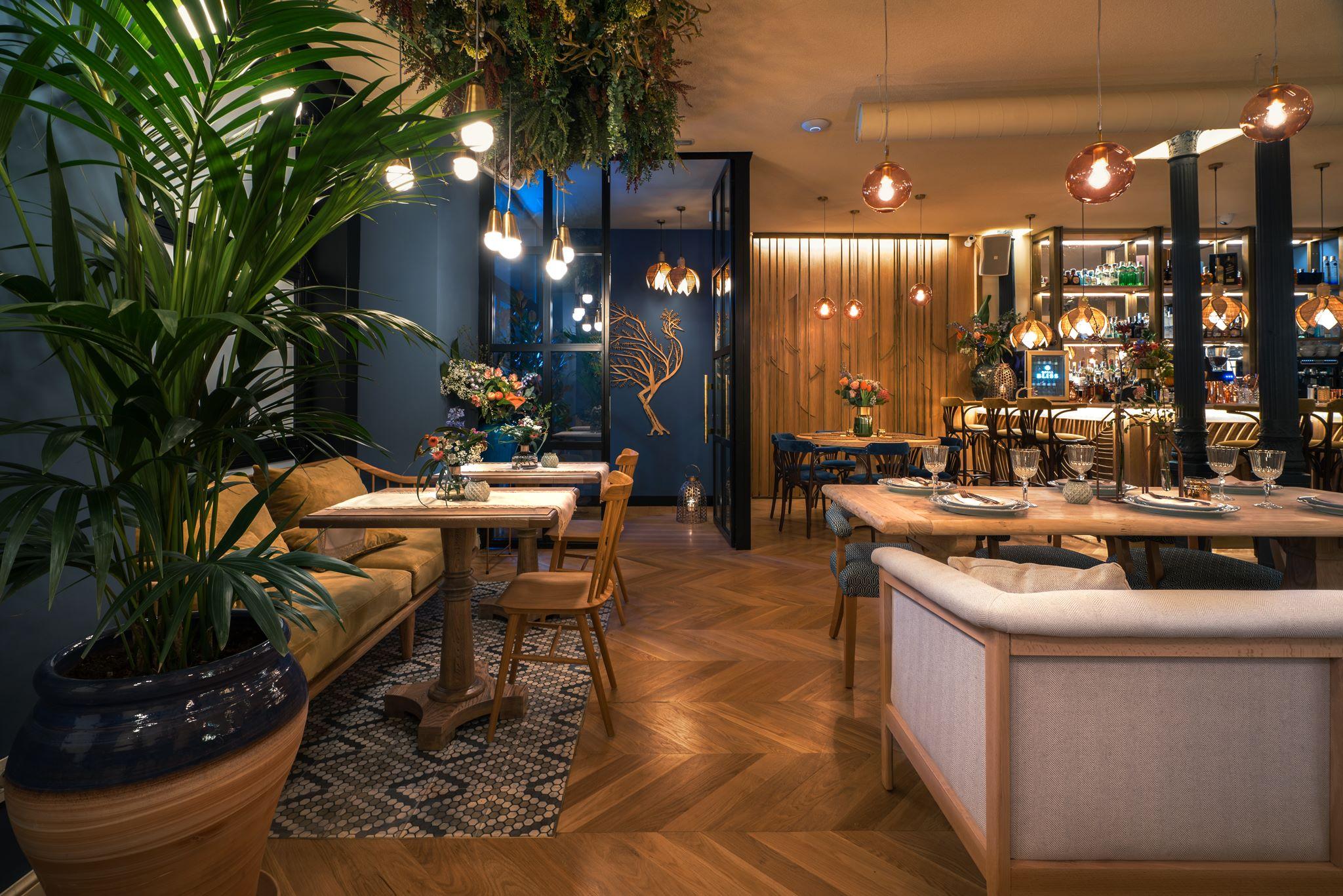 Proyecto restaurante rolenka bistro arsitek for Restaurante arquitectura